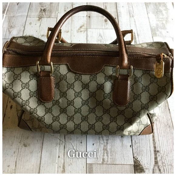 89436e3160ba0 Gucci Handbags - Gucci Vintage Large Canvas GG Boston Bag